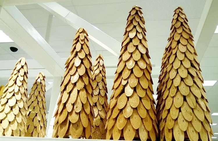 bradut-decorativ-lemn