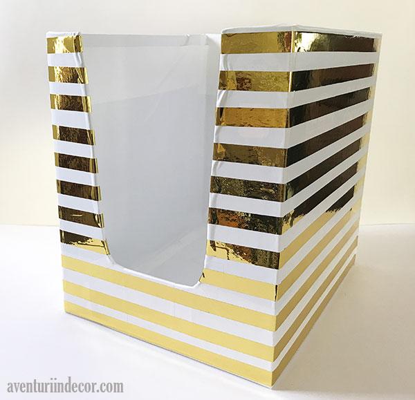 cutie-decorativa-cu-dungi