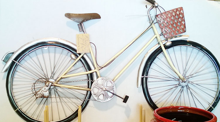 decor-perete-bicicleta-metal