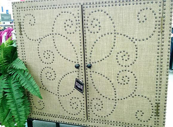 dulap-pioneze-decorative