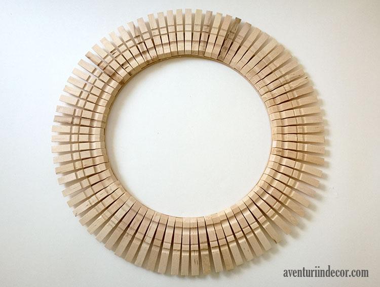 oglinda-forma-soare-clame-lemn