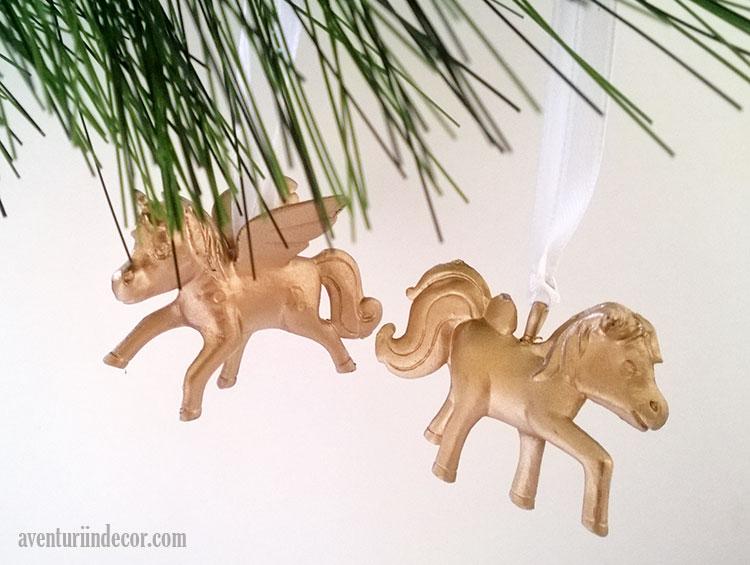 ornamente-aurii-brad-craciun
